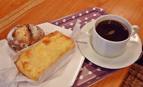 ブロートランドでパンとコーヒー