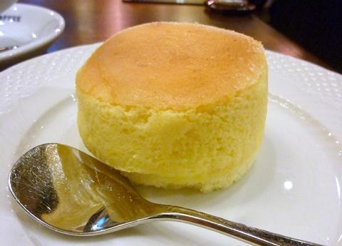 星乃珈琲スフレチーズケーキ