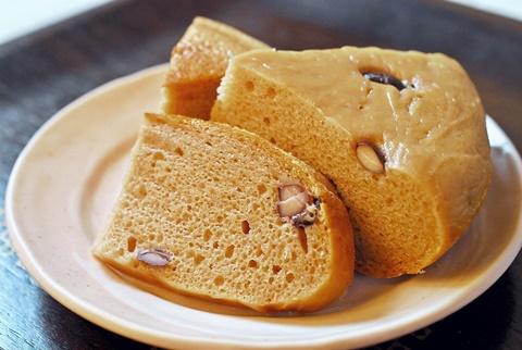 黒豆入り玄米パン