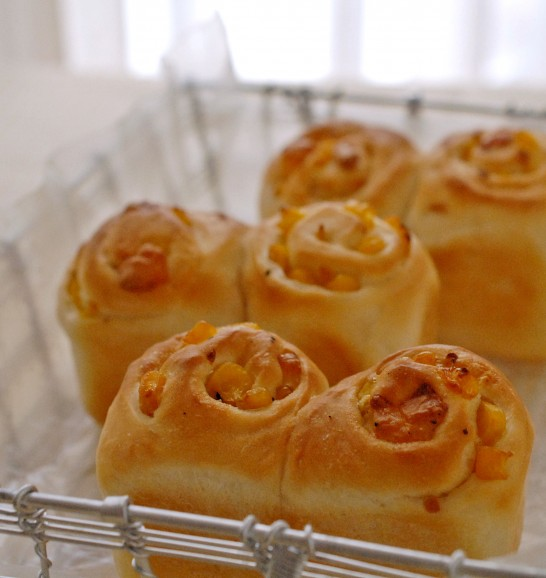 コーンとチーズのミニ食パン