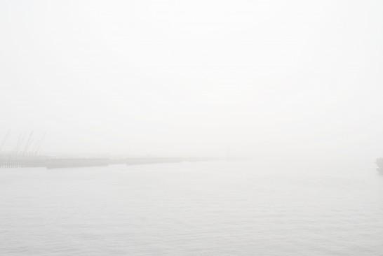 濃霧の東雲運河