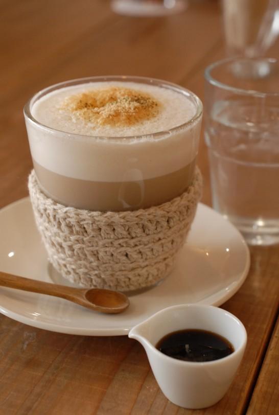 ほうじ茶の豆乳きな粉ラテ