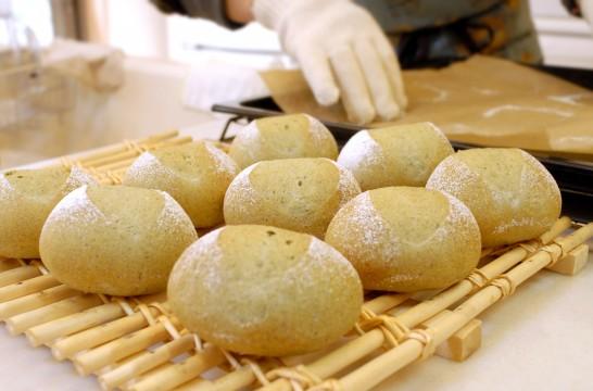 よもぎ丸パン