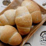 塩パンとクランベリーのパン