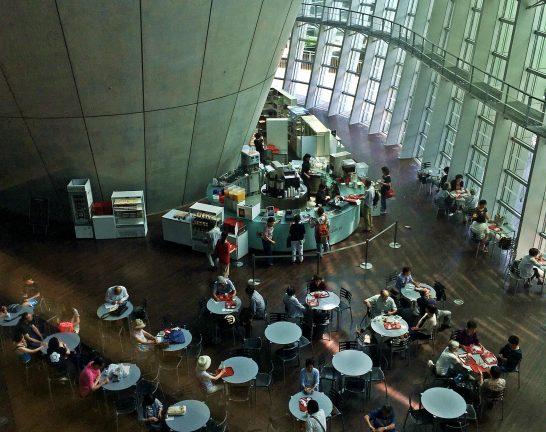 国立新美術館1Fカフェ